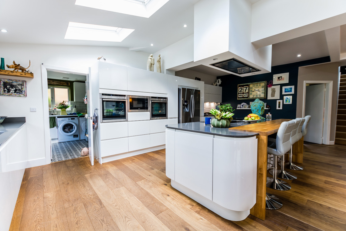 funky gloss white handleless with oak 187 homestyle kitchens